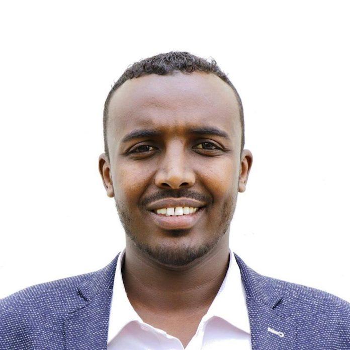 Qaad iyo Sigaar: Laba Quus ka dhigey Rejadeena (WQ: Mohamed Abdirahman).