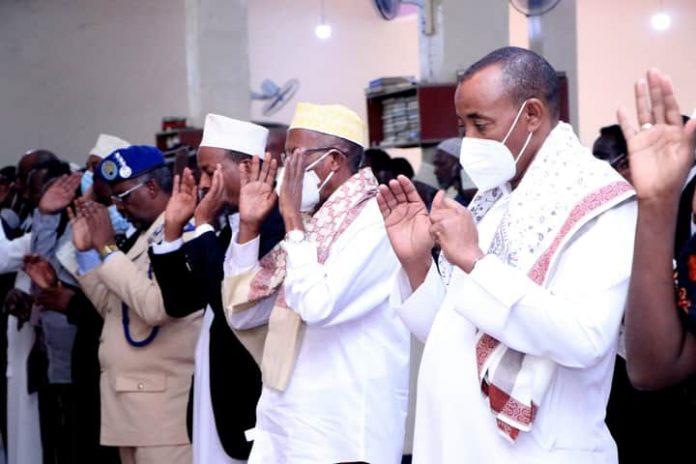 Madaxweyne Jamhuuriyadda Somaliland oo Shacabka Caasimadda Kala Qayb-galay Tukashada Salaadda Ciidal Adxada